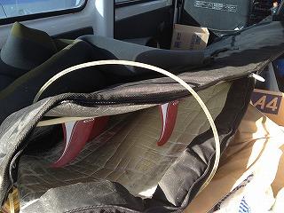 車の中のサーフボード